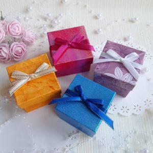 Подарочные коробки и бонбоньерки