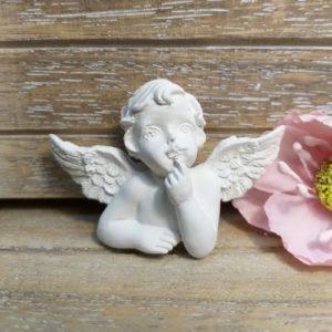 Ангел мечтающий из гипса, 5*3,5 см.