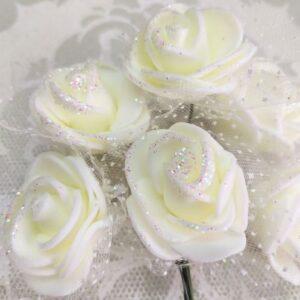Букетик белых роз из фоамирана.
