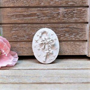 Камея новогодняя Посошок, гипс, 2,8*3,8 см.