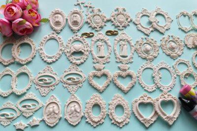 Гибкая лепнина для декорирования свадебных аксессуаров.